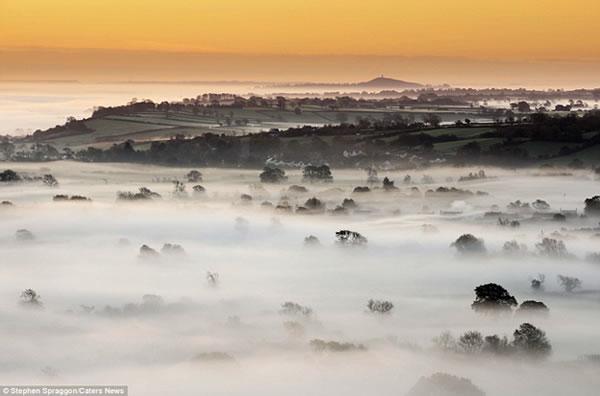 Um Belo Nascer Do Sol nas Colinas de Somerset Inglaterra
