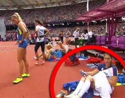 Câmera flagra atleta tirando a calcinha nas olimpiadas de 2012