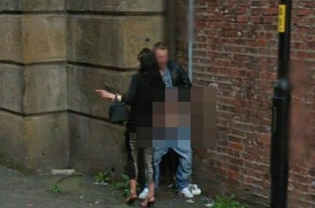 Google Street View capturando sempre os momentos mais íntimos