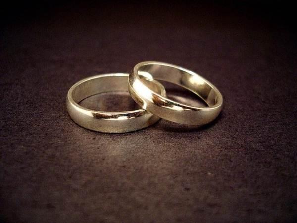 Casal descobre após casamento que são irmão e irmã