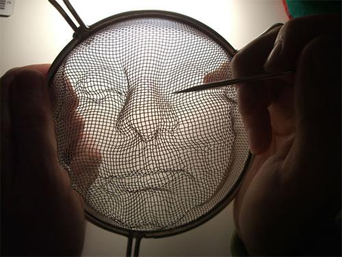 Incríveis esculturas feitas em um coador