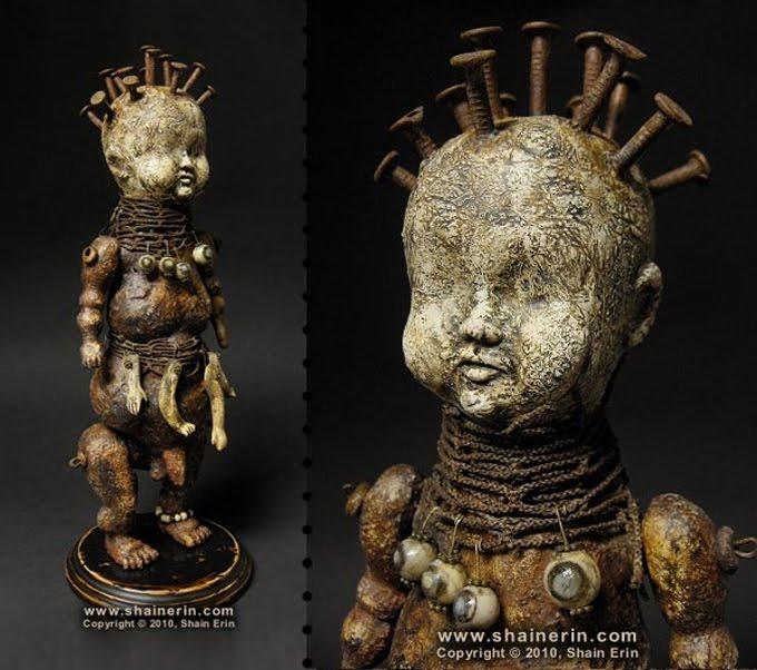 Coleção de brinquedos assustadores