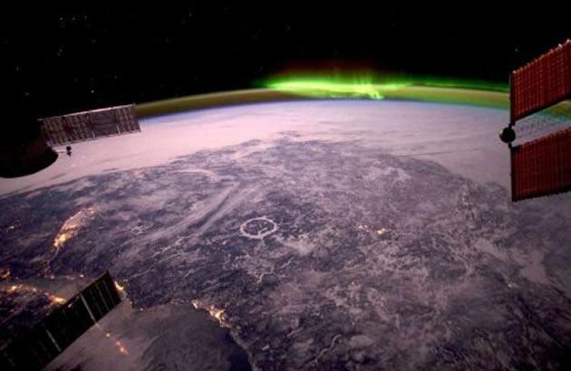 Astronauta passa 370 dias no espaço e faz incríveis fotos