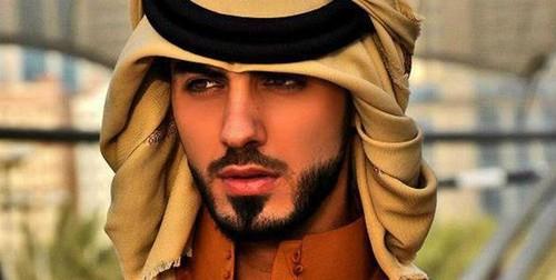 """Conheça um dos """"bonitões"""" expulso de festival nos EAU"""