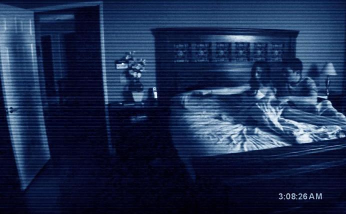 Homem tenta gravar atividade paranormal, mas acaba descobrindo traição