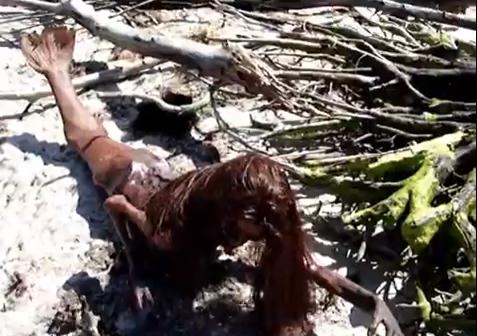 Americano encontra corpo de sereia em praia da Flórida