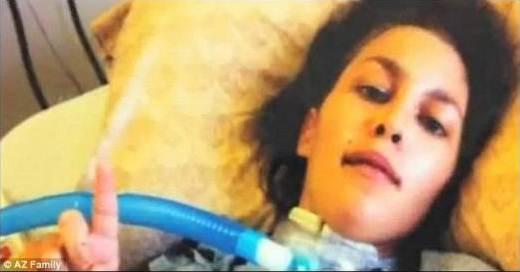 Depois de acidente, mulher tem a cabeça separada do corpo e sobrevive